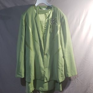 Green 3 piece suit by Terramina. Size 16